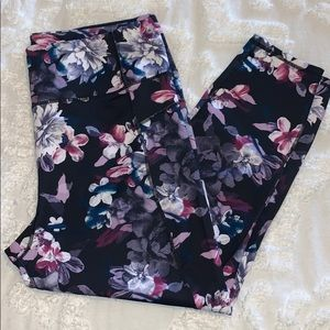 {Betsy Johnson} Floral Leggings Size XL